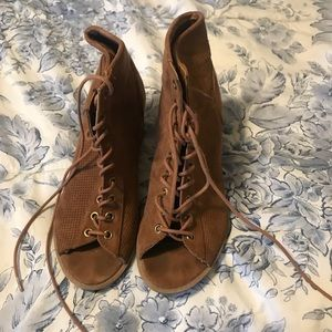 Shoes - Lace up open toe booties